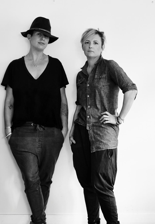Jane Frosh (trái) và Lucy Trọng lượng từ Cool Edie