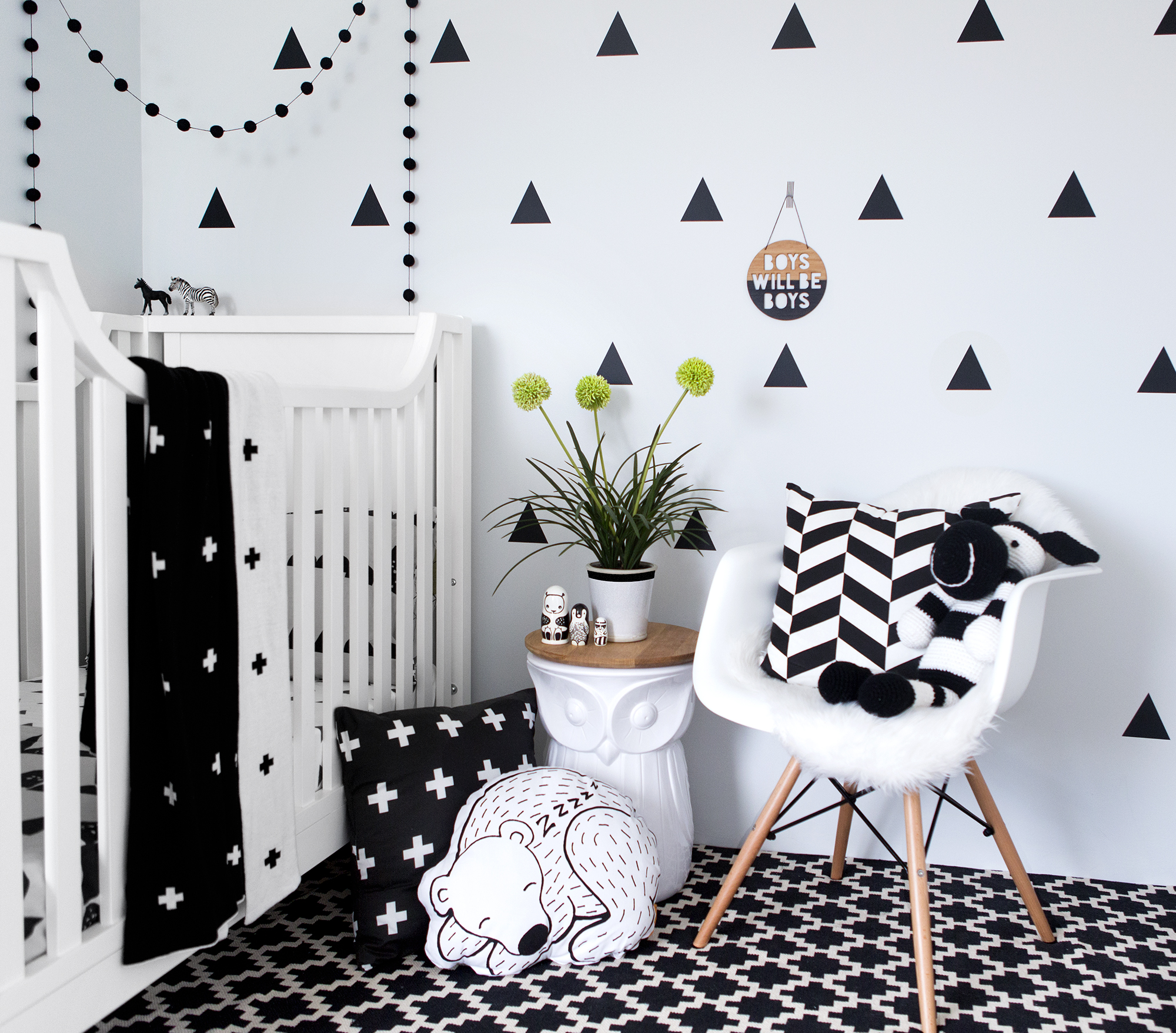 Black Wall Paper Decor : Australian nursery ideas with vivid wall decals the