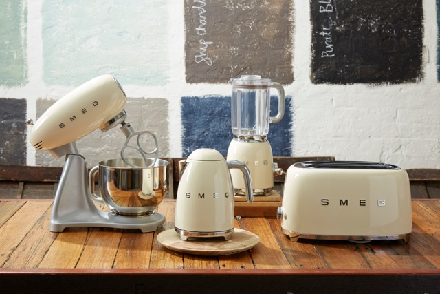 Blend Retro Style And Performance With Smeg S New Blender
