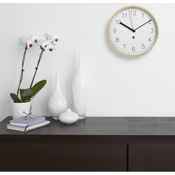 Fancy  rimwood wallclock white natural insitu