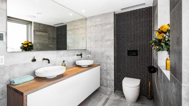 Beautiful  shay dean mainbathroom