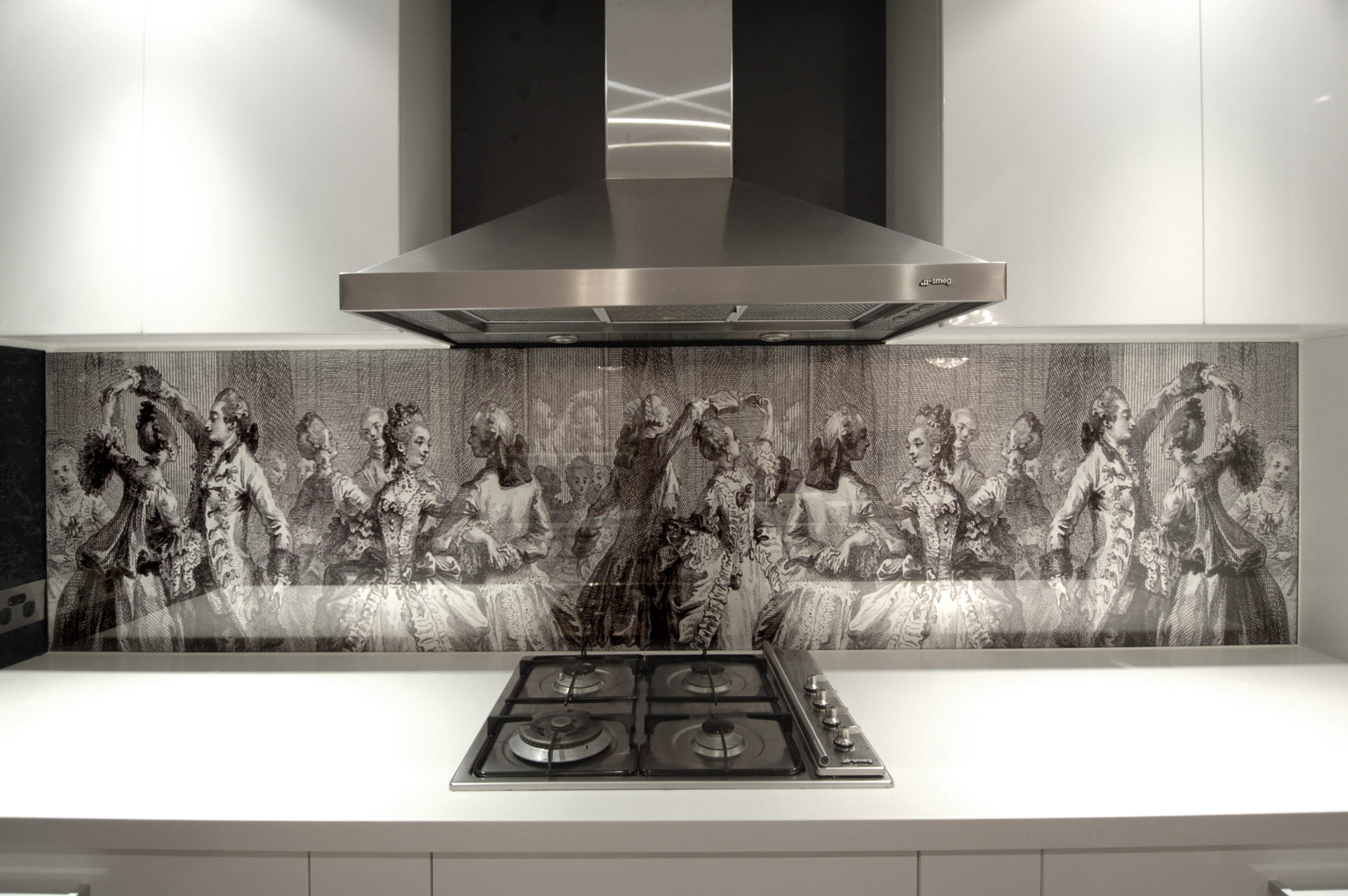 Have you ever seen a kitchen splashback like it?!