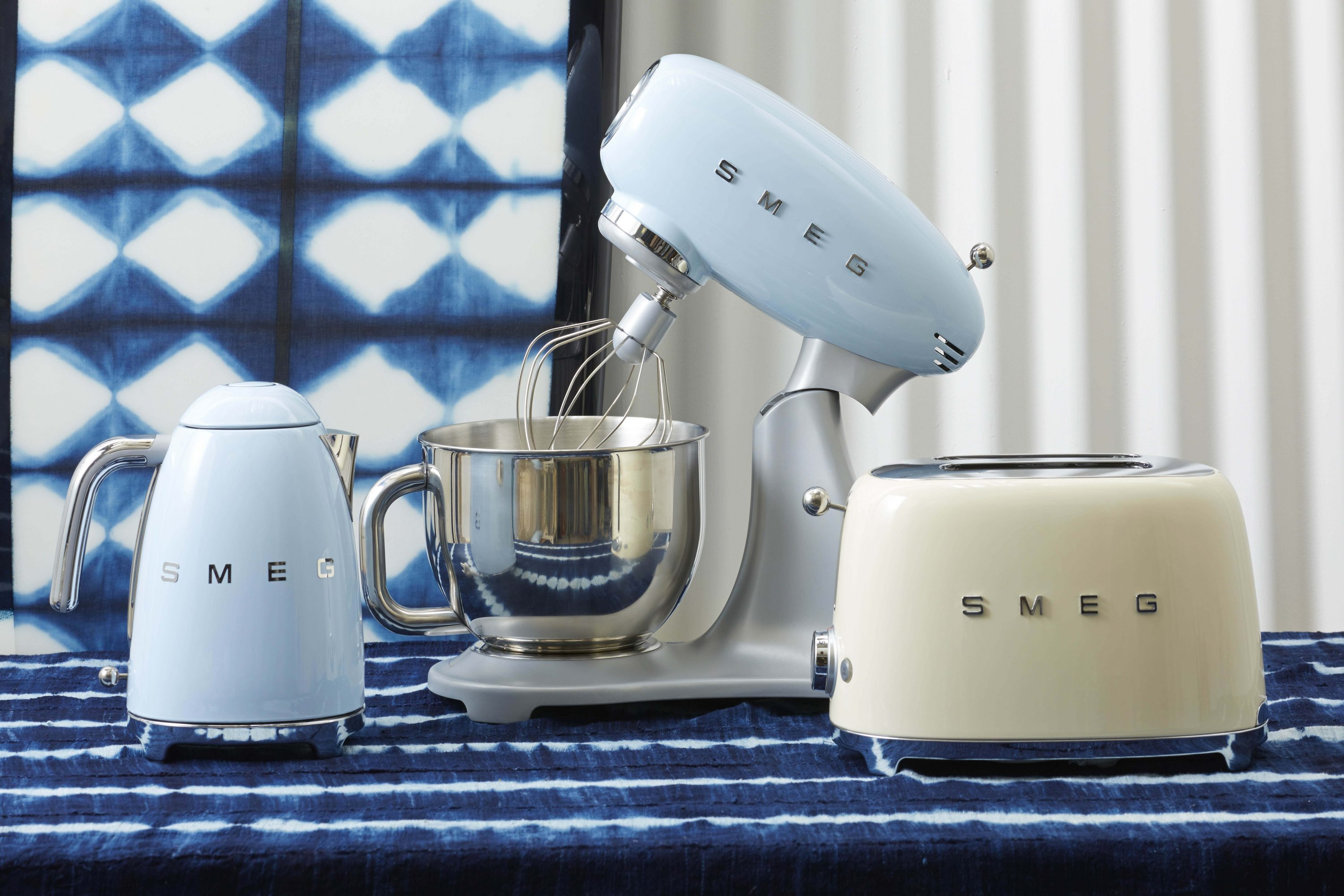 Uncategorized Retro Kitchen Small Appliances smeg smf01pguk 50s retro style stand mixer in pastel green archives the interiors addict kitchen small appliances