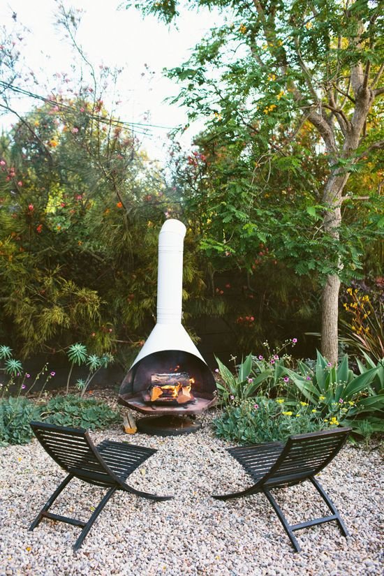 What To Consider When Building A Fire Pit In Your Back Yard The Interiors Addict