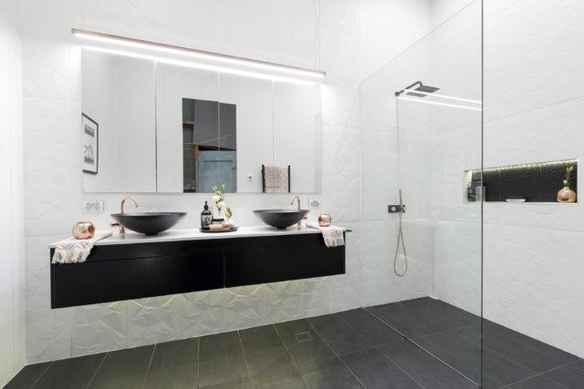 h1_r3_bathroom_will_karlie-29