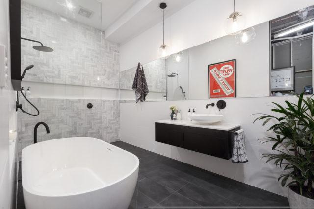 h3_r3_bathroom_andy_ben-19