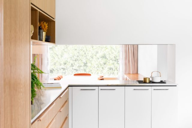 cantilever-interiors_custom-kitchen_beach-rd_photo-credit-martina-gemmola-styling-ruth-welsby_017