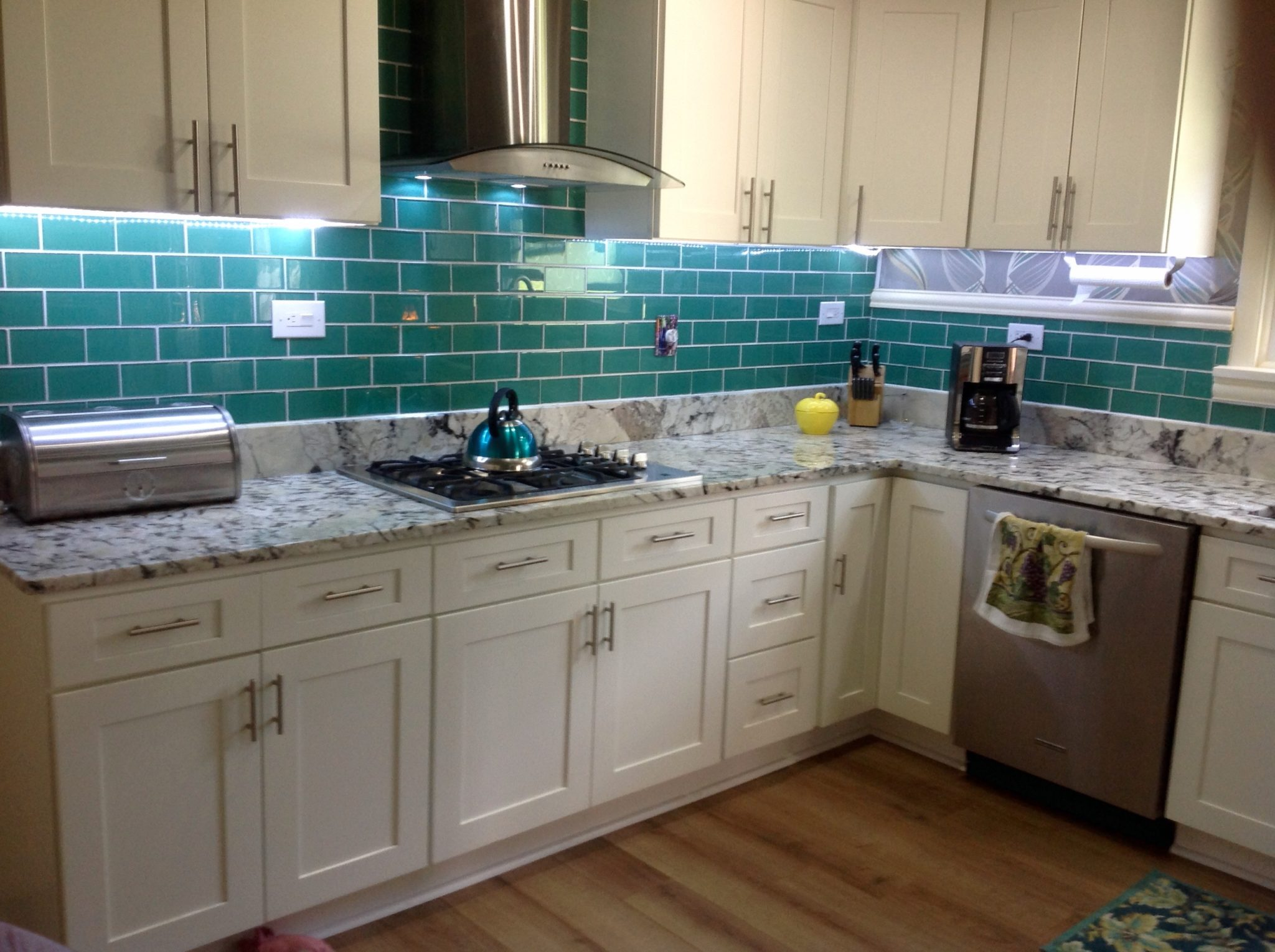 7 different ways to use subway tiles in your home
