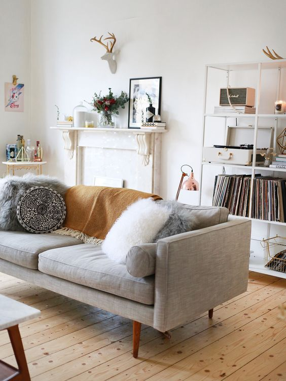 10 of the best styling tips i 39 ve stolen from the professionals the interiors addict. Black Bedroom Furniture Sets. Home Design Ideas
