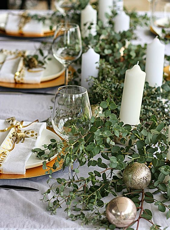 Pinterest 39 s top trending christmas table ideas the for Australian christmas decoration ideas