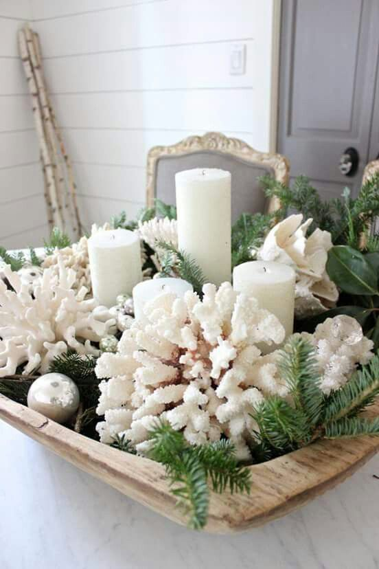 pinterests top trending christmas table ideas - White Christmas Flower Decorations