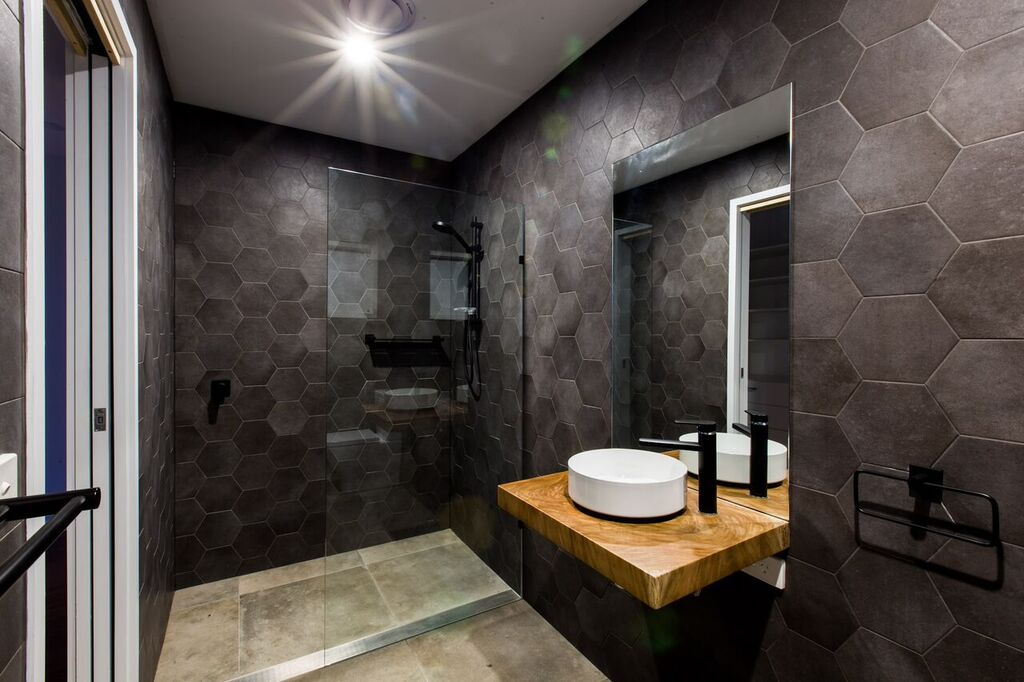 4 Real Bathrooms To Inspire Your Home Design The Interiors Addict