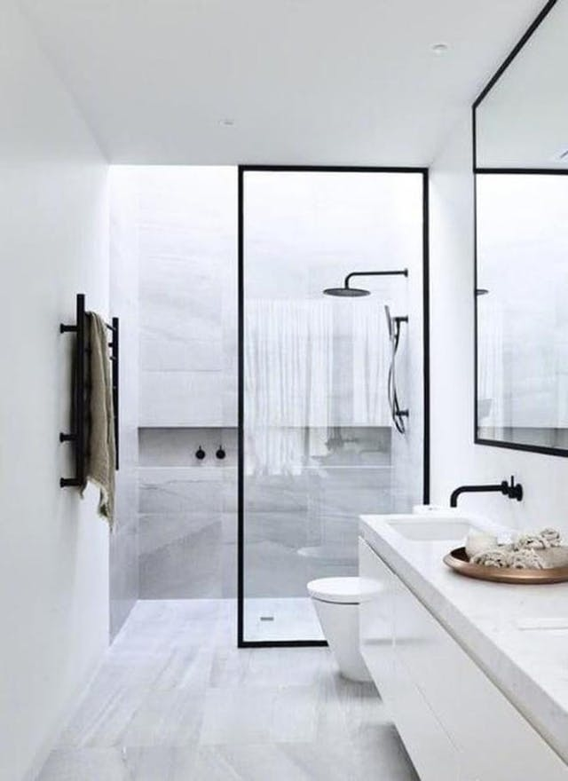 Monochrome bathroom. Image source: Pinterest/Marisa Robinson Beauty