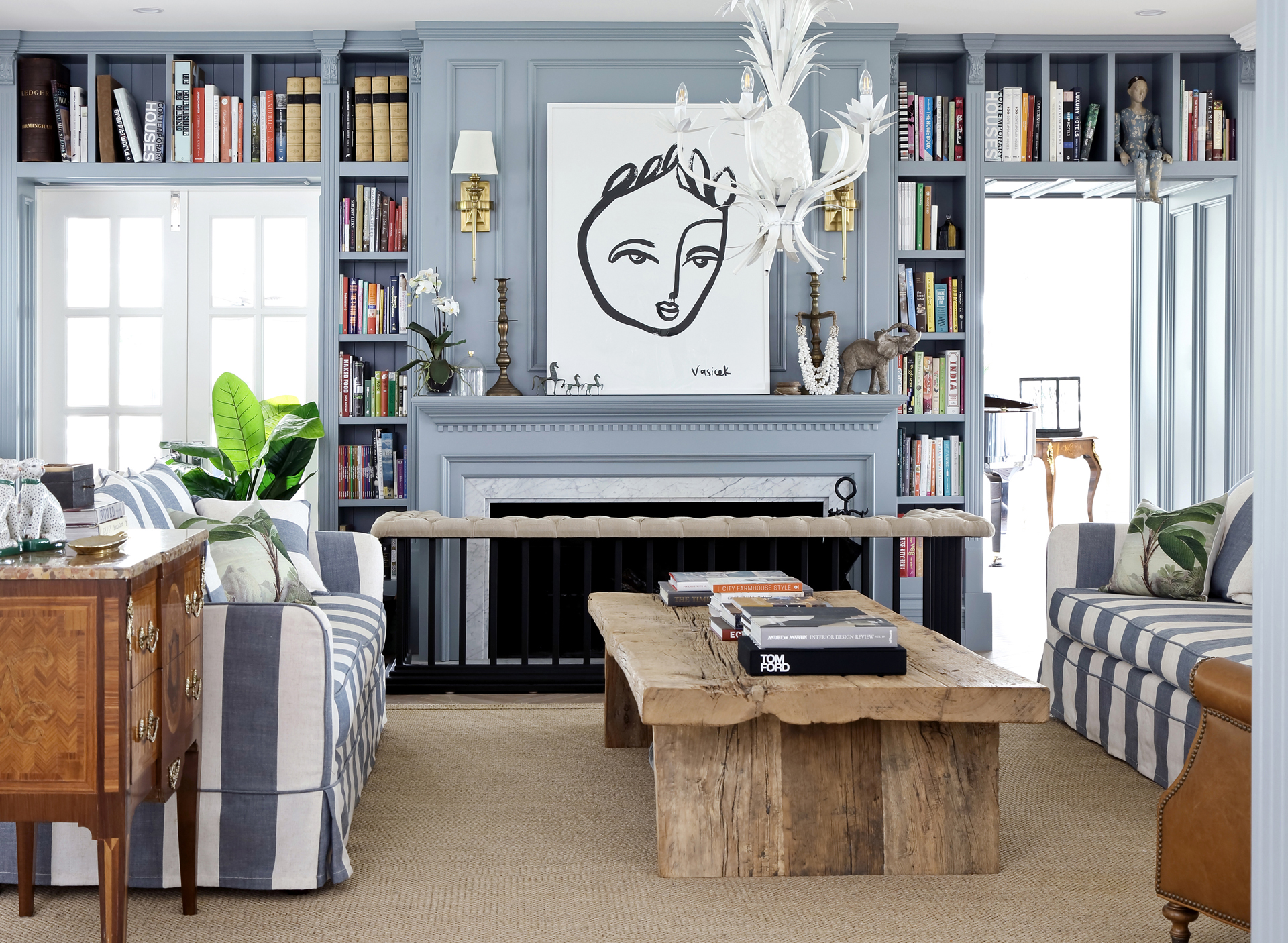 How To Decorate With Antiques In A Modern Style Home The