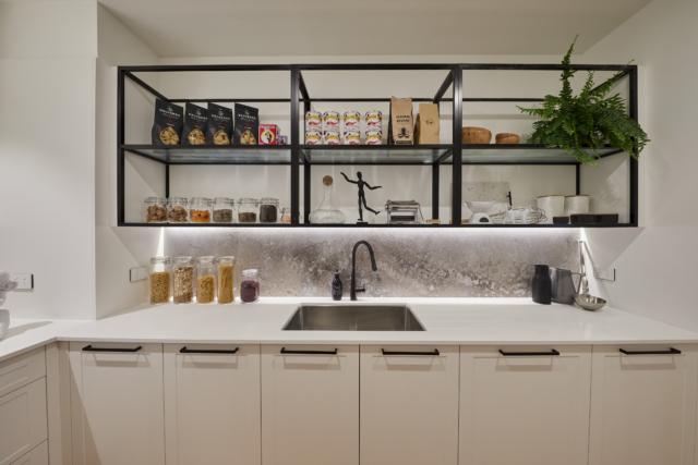 Courtney & Hans challenge kitchen