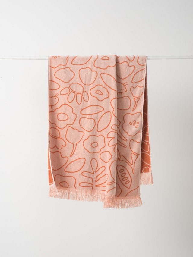 Daisy velour towel