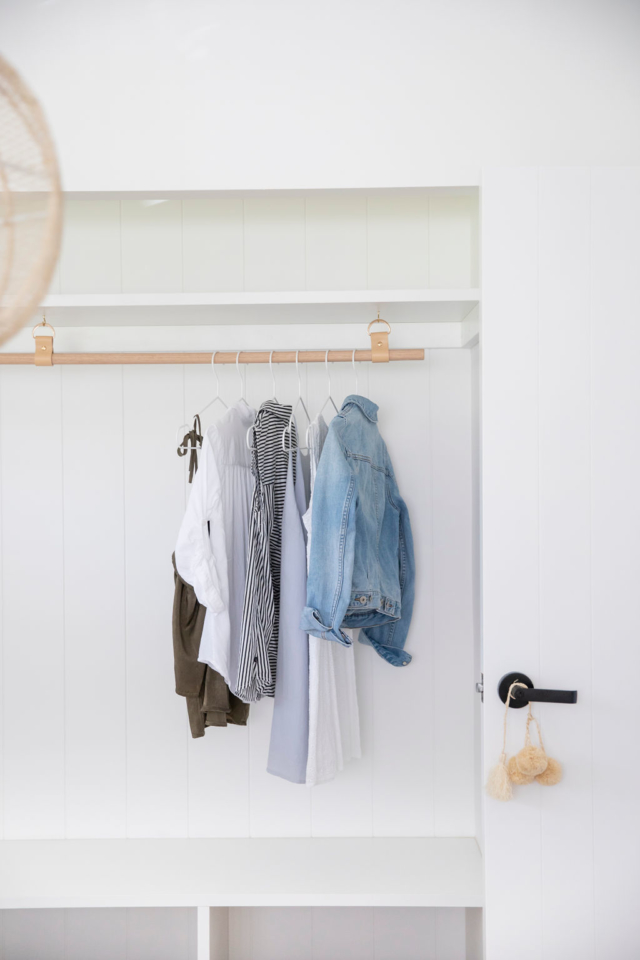H and G laundry hanging rail