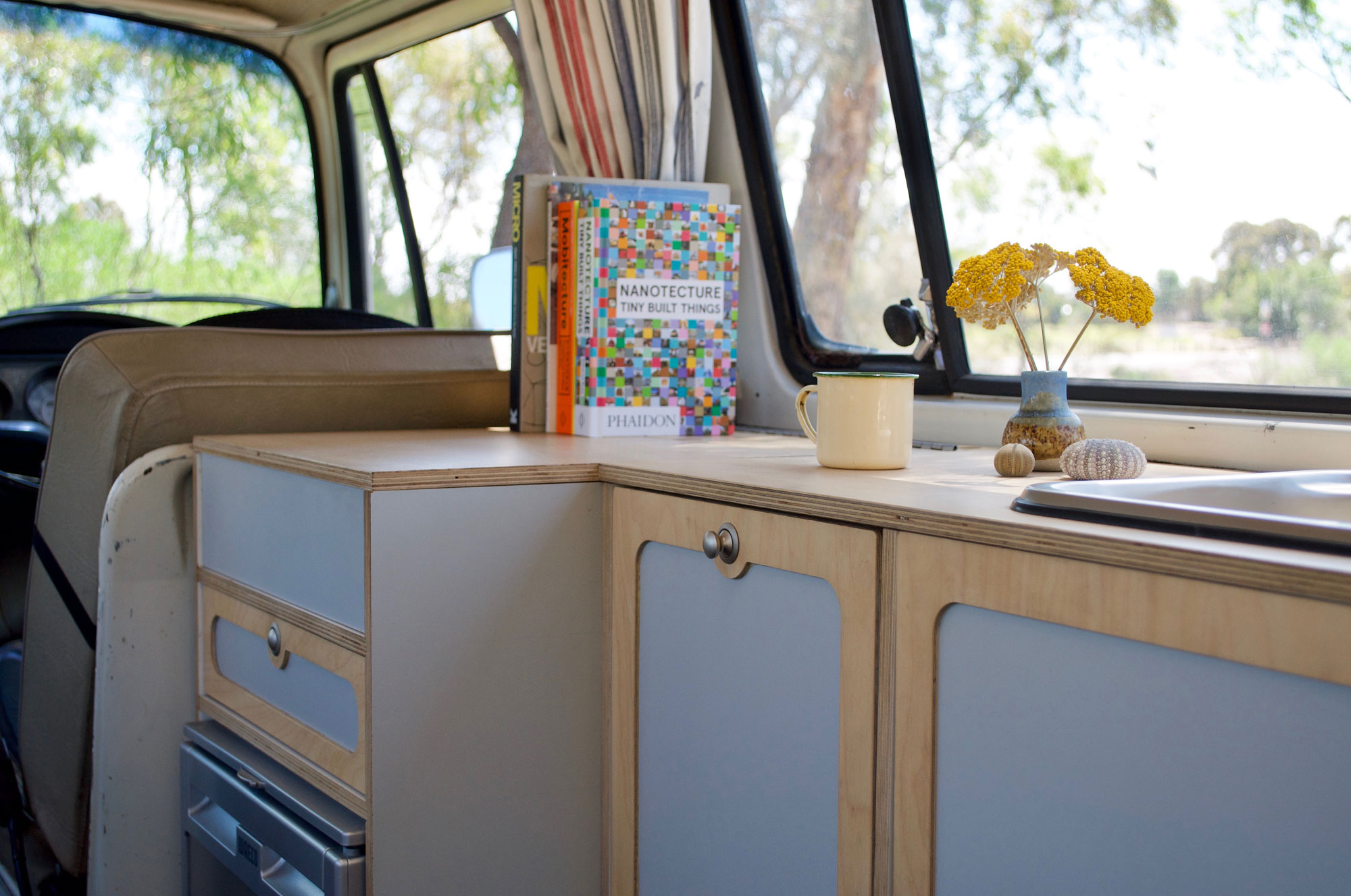 Vw Kombi Vans New Retro Flat Pack Diy Interior Kits The Interiors Addict