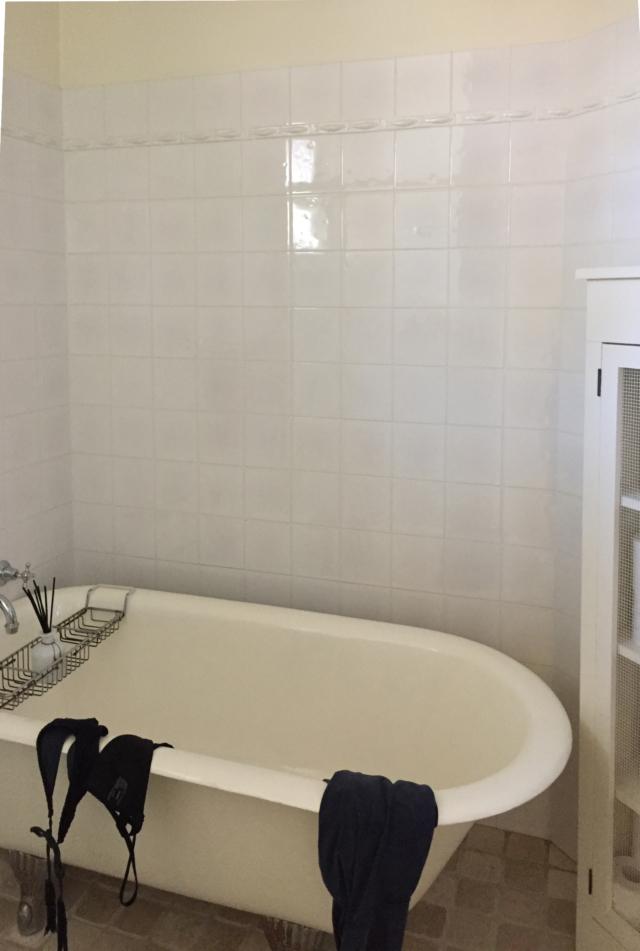 Main bathroom BEFORE