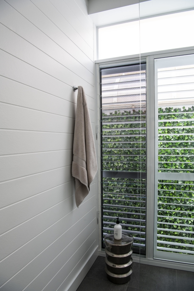 Deborah used Axon cladding in the bathroom to save time and money
