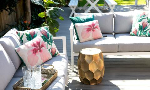 Jen's deck is summer ready + win my outdoor dining set