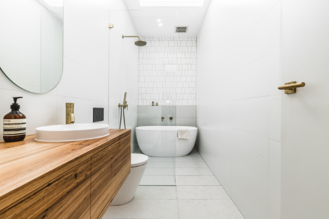 TileCloud's Avalon Gloss square and subway pattern tiles make a fabulous feature wall in the bathroom