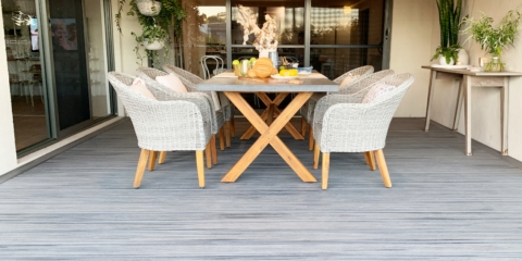 AFTER Naomi styled the deck with all-important finishing touches including plenty of greenery