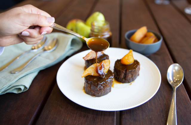 Sticky pear pudding