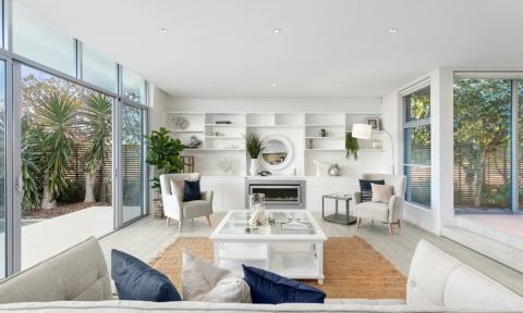 Interiors trends 2020: Nature, wallpaper, & greige!