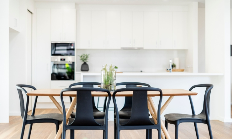 Styling for sale: 9 expert staging tips