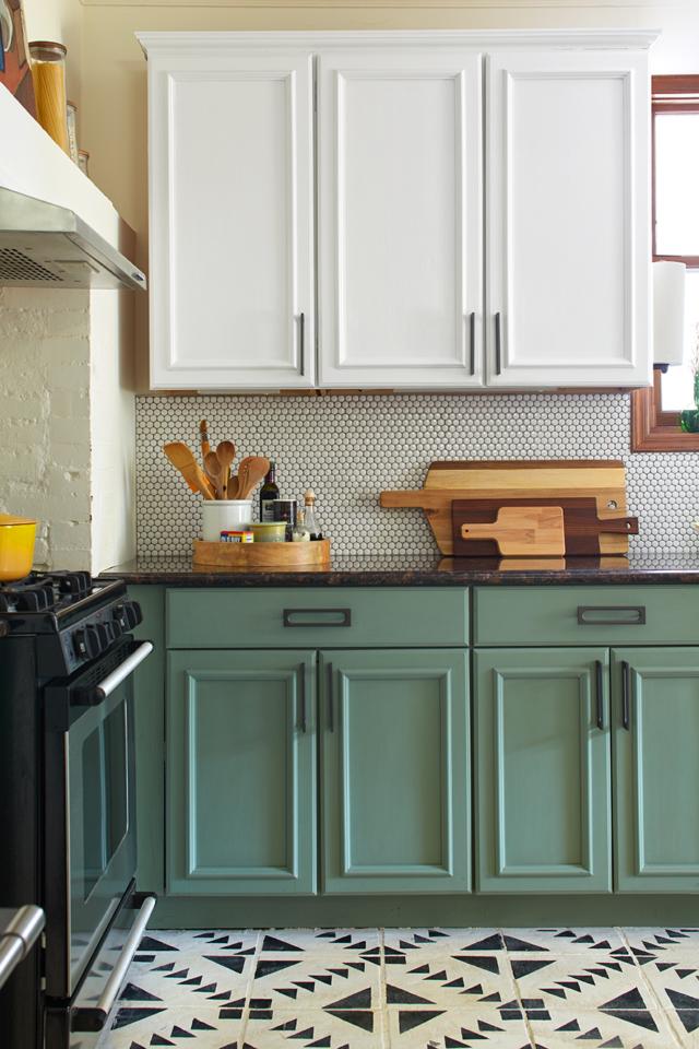 Chalk Paint Kitchen Cabinets 2 Amazing, Chalk Paint For Kitchen Cabinets