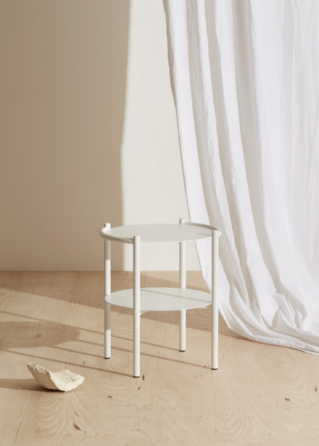Fomu side table