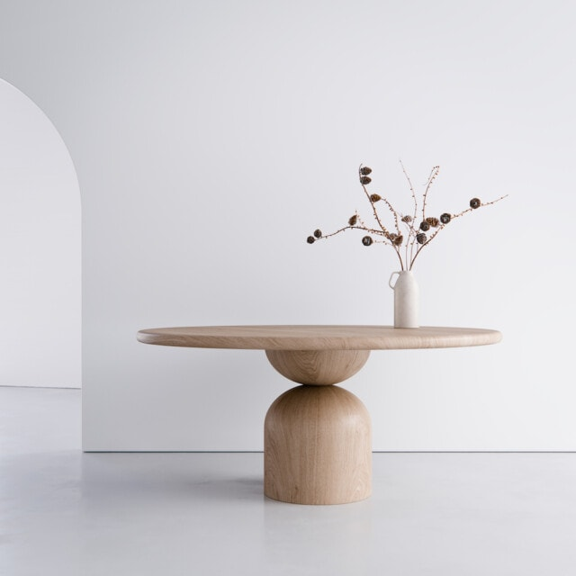 Woodroom Bell table